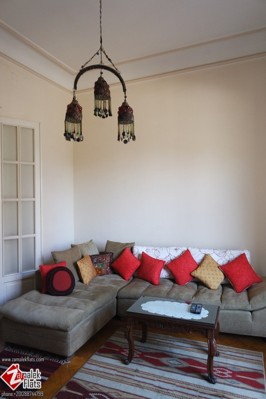High Ceiling Furnished Apt Large Terrace Good Location