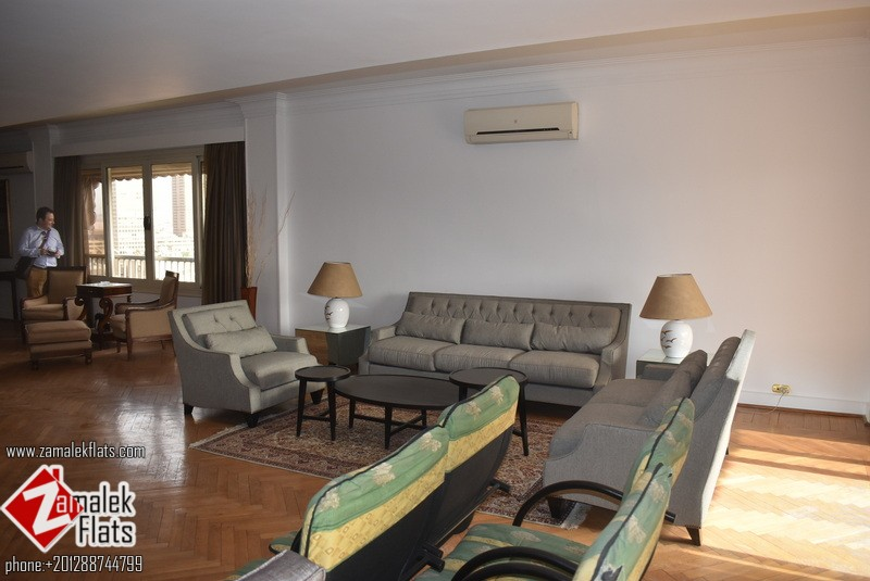 Large Luxury Furnished Apt In Well Managed Building