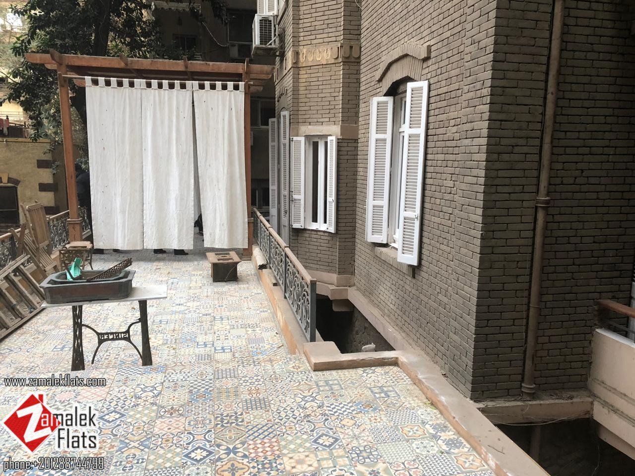Beautiful Apartment with Private Patio for Rent